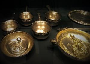 La vaisselle en or des hommes de la Protohistoire à la Renaissance par le Comptoir Universel de lOr